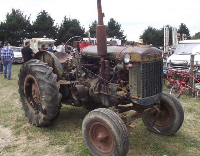 Fordson E27N 4